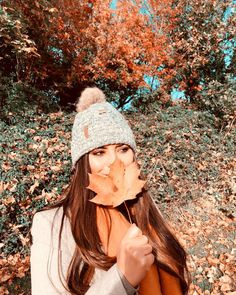 "𝕍𝕚𝕧𝕚𝕒𝕟 𝕄𝕖𝕟𝕕𝕖𝕤 on Instagram: ""Hello autumn 🍂 #ireland #autumn🍁 #seasons #skerries"" Hello Autumn, Dublin, Ireland, Winter Hats, Seasons, Instagram, Fashion, Moda, Seasons Of The Year"