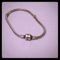 NWOT Pandora clasp bracelet 7.5in NWOT Pandora clasp bracelet Pandora Jewelry Bracelets