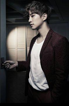 Lee Junho (No.5 era) from photographer_sang_hyun's IG instagram.com/p/BCLturOiqW6/