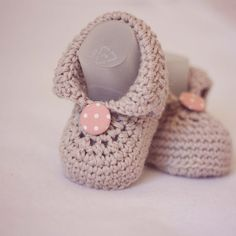 Crochet Baby Booties - Baby Boots - ready to wear (6-9 months)... WAY cuter then your average booties