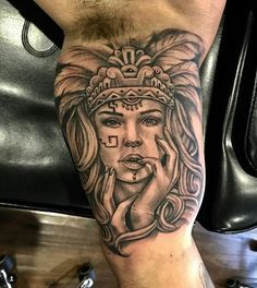 Aztec tattoo by Chicano Tattoos Gangsters, Lettrage Chicano, Chicano Style Tattoo, Chicano Drawings, Aztec Tattoos Sleeve, Tattoos Skull, Body Art Tattoos, Ink Tattoos, Tatoos