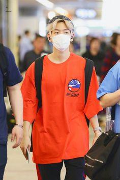 변백현 | Baekhyun | [HQ] 180427 #EXO #Baekhyun @ NRT - MNL Airport | 'ㅅ'