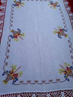 De Croche De Croche barbante De Croche com grafico De Croche de mao De Croche festa - Bolsa De Crochê Christmas Table Cloth, Brazilian Embroidery, Cross Stitch Patterns, Diy And Crafts, Couture, Sewing, Crochet, Counted Cross Stitches, Hand Embroidery Patterns