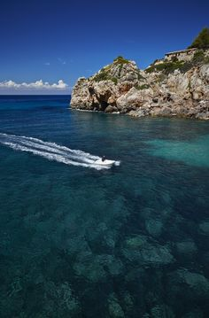 It's hard not to fall in love with Mallorca's gorgeous water