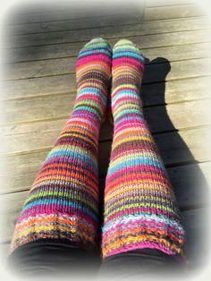 Striped Socks, Cool Sweaters, Bunt, Mittens, Knit Crochet, Stripes, Sewing, Knitting, Tights