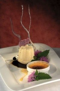 sformato-di-fiori-di-lavanda-in-salsa-di-cioccolato-fondente