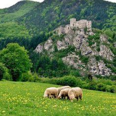 Hrad Strečno @cestujslovenskom.sk Culture, Mountains, Medieval, Travel, Art, Art Background, Viajes, Kunst, Mid Century