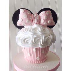 Minnie Mouse cupcake cake! #minniemouse #cupcake #cake #happybirthday #sweet #sweetindulgence #villageindulgence