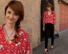 The Lizzie Bennet Diaries - Jane's flower power look from Thursday's video.... I want everything Jane and Lizzie wear