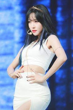 Kpop Girl Groups, Kpop Girls, Baby Animals Super Cute, Female Pose Reference, Sinb Gfriend, G Friend, Foto Pose, Female Poses, South Korean Girls