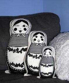 Eduschka-Kissen // Matryoshka pillows by Mina Garcia via DaWanda.com  (All Rights Reserved).