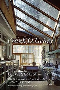 Frank O. Gehry : Gehry Residence Santa Monica, California, U.S.A., 1977-78, 1991-94 / text by Yoshio Futagawa ; photographed by Yukio Futagawa. ADA Edita, Tokyo : 2015. 83 p. : principalmente il., col. Colección: Residential Masterpieces ; 20. Texto en inglés y japonés. ISBN 9784871406451 Arquitectura doméstica -- Estados Unidos. Casas individuales -- Estados Unidos. Gehry, Frank O., 1929- . Sbc Aprendizaje A-72(082) *RES/20 http://millennium.ehu.es/record=b1847213~S1*spi