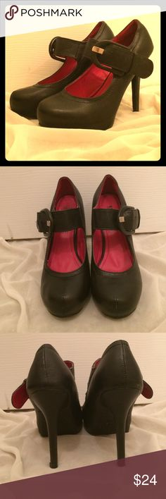 ❤️❤️MaryJane's❤️❤️ So cute!!!! ❤️❤️❤️ These are in terrific shape & ready to wear! These are precious! Black maryjane style with red insole... MADELINE girl Shoes Heels