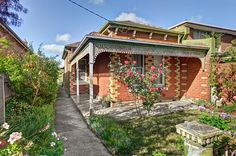 50 Barkers Road HAWTHORN | House |- SCREAMING POTENTIAL!