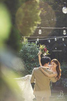 korea wedding photography besure studio Korea Wedding Photography Lim s Wedding Story - Pre Wedding Shoot Ideas, Pre Wedding Poses, Pre Wedding Photoshoot, Wedding Couples, Wedding Pictures, Korean Wedding Photography, Couple Photography Poses, Wedding Story, Dream Wedding