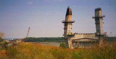 Emerson Memorial Bridge construction, Cape Girardeau MO, 26 July 2000, via Milanite on Flickr.