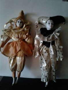 LOT-Of-2-17-034-Porcelain-Harlequin-Jester-Mardi-Gras-Dolls