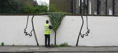 Street art par Banksy  Banksy est probablement le street artiste le plus connu de la planète, il revient dans les rues de Londres avec cette oeuvre intitulée « Bush ».
