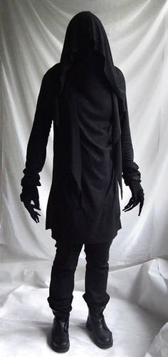 dark demon goth avante garde fashion mens top long sleeve turtleneck- Looks like one of those things from Harry Potter. Hipster Grunge, Style Grunge, Soft Grunge, Dark Fashion, Mens Fashion, Fashion Outfits, Fashion Clothes, Gothic Fashion Men, Guy Fashion