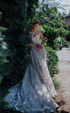 Royal wedding dress LOVIA with long train Princess wedding image 6 Non White Wedding Dresses, Luxury Wedding Dress, Dream Wedding Dresses, Boho Wedding Dress, Wedding Gowns, Viking Wedding Dress, Pagan Wedding, Prom Photography, Prom Poses