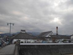 12月11日晴れのち曇り 今日も寒い一日でした。朝から中津に仕事で行き、バッテリー交換 自由市場に寄ったら海老、蟹、鰈がパックの中で生きていました。海老を購入 家に帰りてんぷらにして食べました。やっぱりうまい!