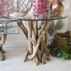 Nice little driftwood side table.