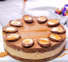 Sans cuisson et totalement décadent Easy Cake Recipes, Dip Recipes, Cheesecake Recipes, Low Carb Veggies, Cheese Crisps, Chocolate Cheese, Mini Eggs, Mini Cheesecakes, Cheese Platters