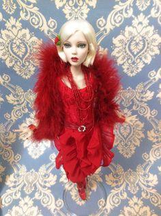 RED HOT ( 2014) di R. Tonner (USA) .In vinile  altezza circa 41 cm