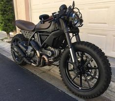 This amazing scrambler motorcycle projects is genuinely a stunning style conception. Ducati Scrambler Custom, Cafe Racer Motorcycle, Motorcycle Garage, Motorcycle Design, Motorcycle Art, Tracker Motorcycle, Moto Bike, Moto Ducati, Cafe Racer Build