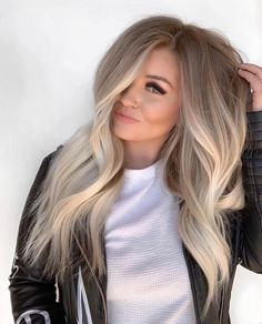 Beautiful Blends Of Balayage Ombre Hair Colors for 2019 Find here gorgeous blends and shades of balayage hair colors to wear in year Balayage has become most famous and popular hair color among ladies nowadays just because of its charming look. Ombre Hair Color, Hair Color Balayage, Haircolor, Balayage Ombre, Fall Blonde Hair Color, Hair Color For Fair Skin, Cool Toned Blonde Hair, Ashy Blonde Balayage, Winter Blonde Hair