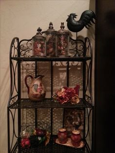 I love the Tuscan look, reds, yellows and blacks.  Bakers rack ... Tuscan Decor