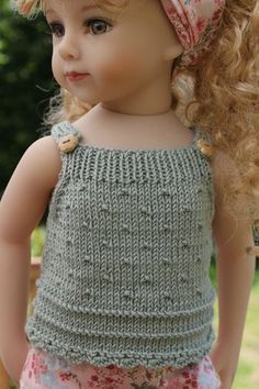 """Tuto du """"top plumetis"""" pour Maru and Friends et Kidz n'cats - Les Chéries de Vaniline American Girl Outfits, My American Girl, American Doll Clothes, Girl Doll Clothes, Girl Dolls, Knitting For Kids, Crochet For Kids, Baby Knitting, Crochet Baby"""