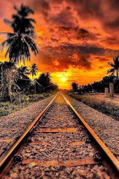 El tren te llevara a tus mejores sueños . . .