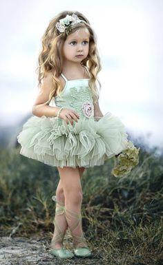 Dollcake a Little star Struck Tutu Dress Little Girl Dancing, Cute Little Girls, Little Girl Dresses, Flower Girl Dresses, Girls Dresses, Kind Photo, Beautiful Children, Little Princess, Girl Clothing
