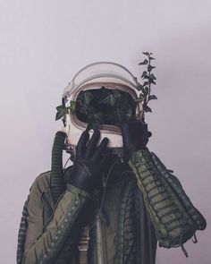 Strange & Poetic Series of a Lonely Astronaut – Fubiz Media atronaut green muted ivy Foto Art, To Infinity And Beyond, Photomontage, Oeuvre D'art, Art Inspo, Images, Artsy, Cool Stuff, World