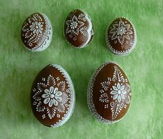 Eastern Eggs, Honey Cake, Easter Cookies, Egg Shape, Cookie Designs, Christmas Inspiration, Royal Icing, Cookie Decorating, Gingerbread Cookies
