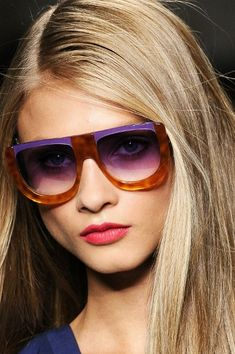 Fendi color-blocked shades #sunglasses www.foursunnies.com