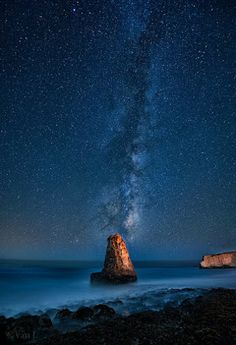 Under the Milky Way (by Yan Photography) Highway 1 All Nature, Science Nature, To Infinity And Beyond, Out Of This World, Vincent Van Gogh, Milky Way, Stargazing, Night Skies, Mother Earth