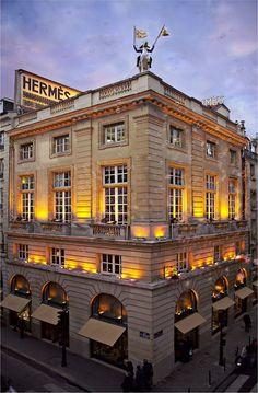 It's a Hermes kinda day- :-) Hermès, 24 rue du Faubourg Saint-Honoré, Paris VIII From Paris With Love, I Love Paris, Paris Travel, France Travel, Tour Eiffel, Paris France, Paris Rue, Monuments, St Honoré