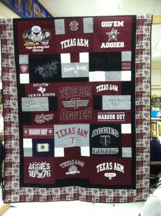 texas a&m t shirt quilt T-shirt Quilts, Rag Quilt, Diy Craft Projects, Sewing Projects, Craft Ideas, Texas Quilt, Home Crafts, Diy Crafts, Texas A&m