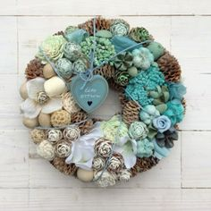Christmas Wreaths, Merry Christmas, Xmas Decorations, Sea Shells, Planting Flowers, Flower Arrangements, Diy And Crafts, Easter, Holiday Decor