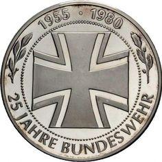 Sprzedam srebrny medalion wojskowy Bundeswehr z lat osiemdziesiątych. Stan wojskowego medalionu oceniam na bardzo dobry.