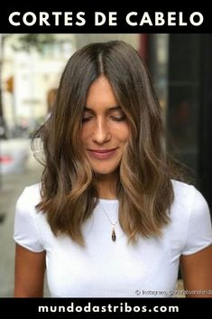 Classic Brunette Balayage - 20 Inspirational Long Choppy Bob Hairstyles - The Trending Hairstyle Brown Blonde Hair, Brunette Hair, Pelo Ondulado Natural, Ling Bob, Medium Hair Styles, Short Hair Styles, Asymmetrical Bob Haircuts, Layered Haircuts, Bob Hairstyles For Fine Hair