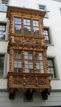 Increíble tallado de este balcón