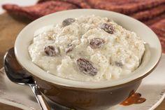 Creamy Rice Pudding | MrFood.com Creamiest Rice Pudding Recipe, Rice Pudding Recipes, Creamy Rice Pudding, Rice Recipes, Creative Desserts, Easy Desserts, Delicious Desserts, Jello Desserts, Puddings