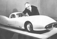 Alex Tremulis, Ford designer, to be inducted into Automotive Hall of Fame.