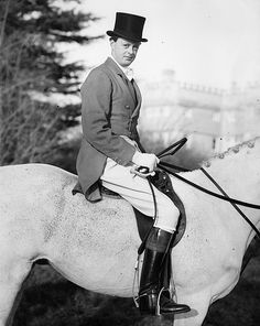 Marquess of Blandford at a meet of the Heythrop Hunt (1954)