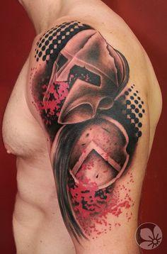 [www.tattoou.co.il :טאטו יו - כל מה שרצית לדעת על קעקועים] --- #trash #polka #tattoo קעקוע טראש פולקה קסדה