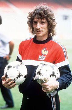 World Cup Finals, Bilbao, Spain, France training, French goalkeeper. Bilbao, World Cup Final, World Football, Goalkeeper, Football Shirts, Football Players, Finals, Legends, Spain