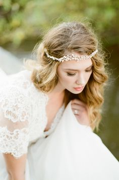 Pretty pearl headpiece: http://www.stylemepretty.com/colorado-weddings/franktown/2016/07/14/the-wild-west-gets-a-romantic-makeover-with-this-inspiration-shoot/ | Photography: Tamara Gruner Photography - http://www.tamaragruner.com/